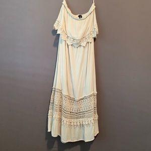 RUE 21 • Cream colored strapless boho dress